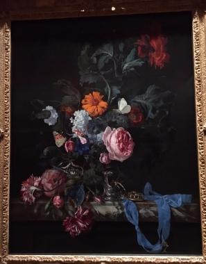 MM vase
